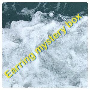 Jewelry - Earring mystery box